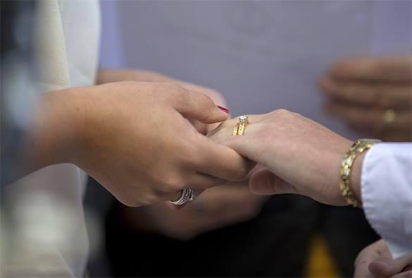 Милонов  разрушит союз двух питерских невест. 303293.jpeg