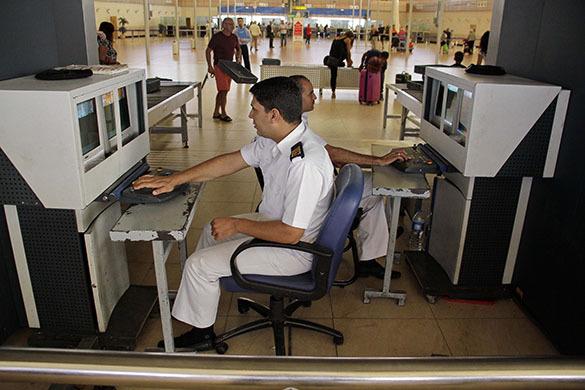 Досмотр багажа в аэропорту Шарм-эль-Шейха