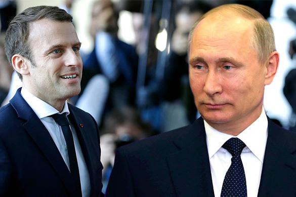 Макрон поговорит с Путиным о терроризме