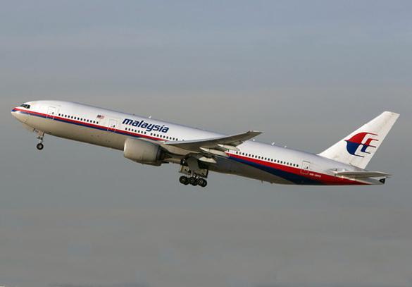 СМИ: малайзийский Boeing исчез с радаров из-за действий