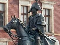 Вандалы разбили памятник Барклаю-де-Толли в поисках его сердца. monument