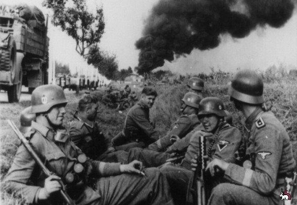 гитлеровцы, Вторая мировая