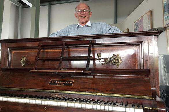 В школьном пианино нашли клад на 640 тысяч долларов