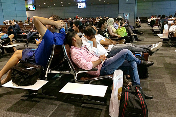 Пассажиры в аэропорту Катара