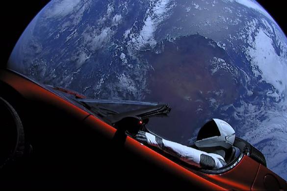 Илон Маск опубликовал секретную съемку запуска Tesla в космос. Илон Маск опубликовал секретную съемку запуска Tesla в космос