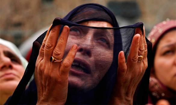 плачущая мусульманка
