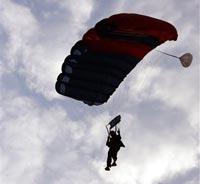 В Саратовской области разбился парашютист