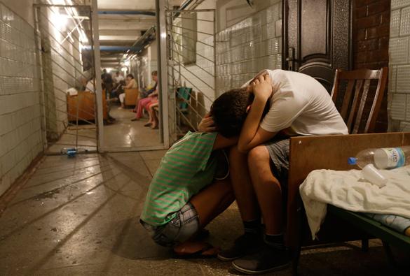Дети Донбасса копают под режим Порошенко. Дети Донбасса копают под режим Порошенко