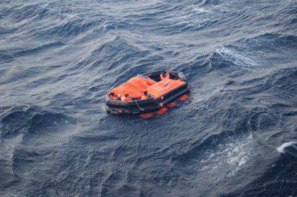 "На месте пропавшего судна ""Восток"" найдено подобие плота. На месте пропавшего судна Восток найдено подобие плота"