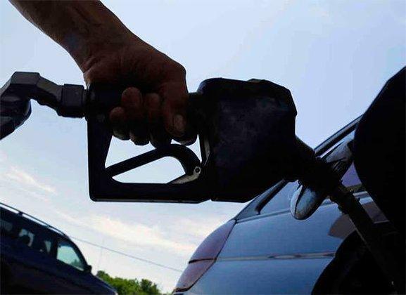 Алексей Соколов: Готовность россиян к росту цен может вызвать подорожание бензина. бензин
