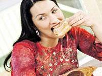 Чтобы похудеть, нужно принимать пищу в компании полных людей