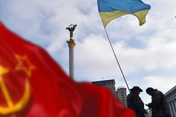 На Украине запрещают Новый год и Деда Мороза-