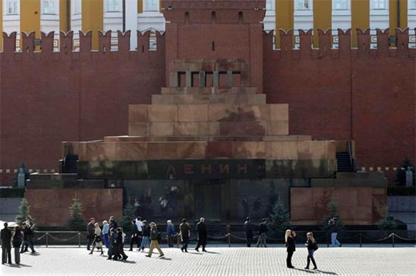 РПЦ выступила против перезахоронения тела Владимира Ленина