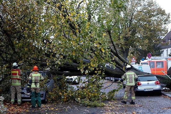 """На Германию обрушился мощный ураган  """"Герварт"""". 378312.jpeg"""