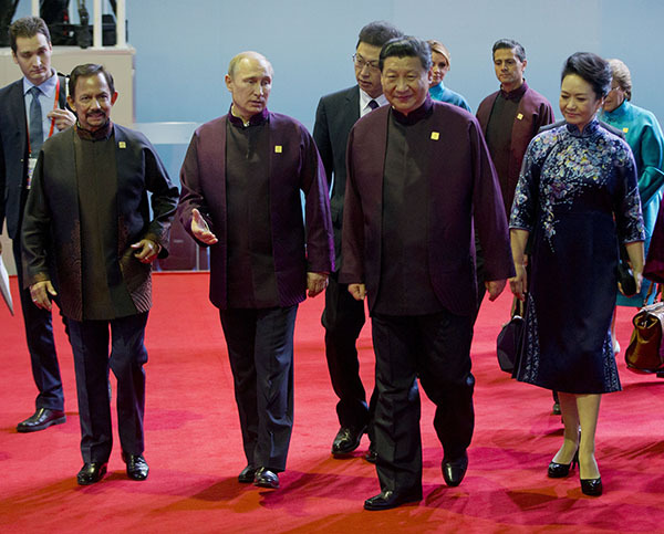 Владимир Путин коротко переговорил в кулуарах  саммита АТЭС с Бараком Обамой. 303314.jpeg