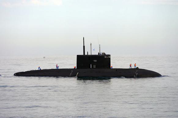 Моряку удалили аппендицит на борту подводной лодки.