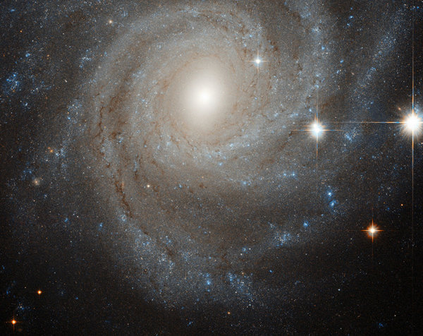 """Телескоп Hubble раскрыл секрет """"злобной"""" звезды."""