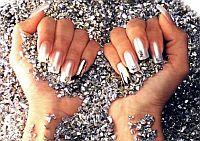 Первая помощь ломким ногтям