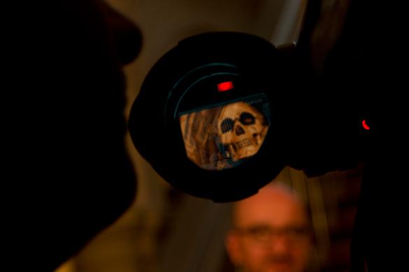 Эксперт: У Запада новое хобби - поиск скелетов в чужих шкафах. видеокамера, журналист