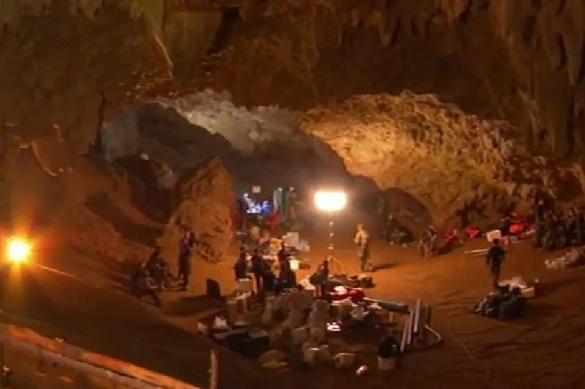 Все на свободе: опубликовано видео спасения детей из пещеры в Таиланде. 389316.jpeg