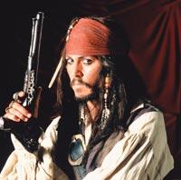 Пират, Индеец и Шляпник Джонни Депп отдыхать не намерен