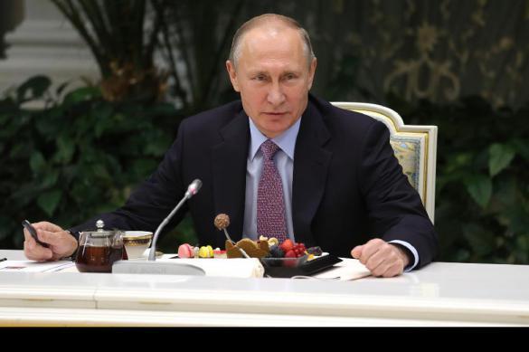"""""""Они стараются, работают"""": Путин рассказал о своих дочерях. Они стараются, работают: Путин рассказал о своих дочерях"""