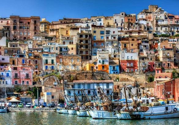 Дома по одному евро предлагают власти итальянского города Самбука. 397318.jpeg