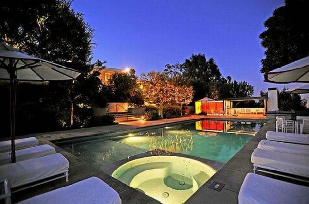 Как живут звезды Голливуда: их особняки и квартиры. 404319.jpeg