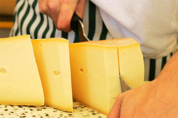 Россельхознадзор запретил ввоз в РФ небезопасных сыров из Белору