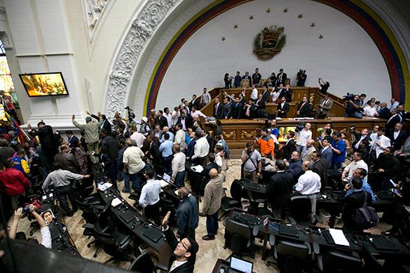 Парламент Венесуэлы назвал госпереворотом действия Николаса Маду