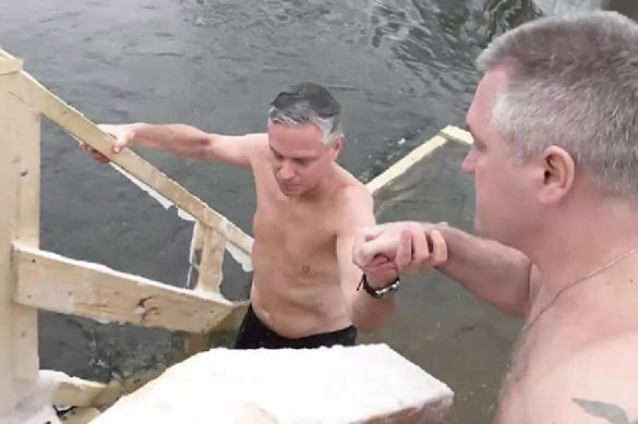 Кому противопоказано купаться в проруби. 397322.jpeg