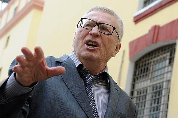 Жириновский предложил продлить срок работы президента, но ограничить его одним сроком. Жириновский предложил продлить срок работы президента, но ограни