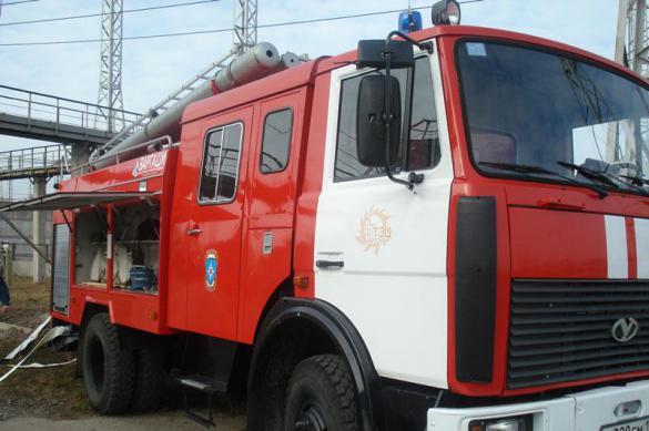 В Серпухове резервуар с топливом загорелся на АЗС. В Серпухове резервуар с топливом загорелся на АЗС