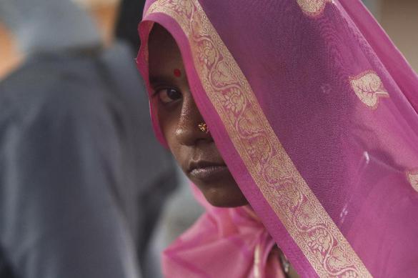 Переодетая мужчиной индианка вымогала приданое у своих жен. Переодетая мужчиной индианка вымогала приданое у своих жен