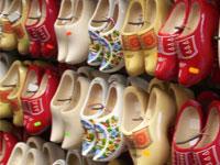 Выставка голландских башмаков напугала китайских поклонников