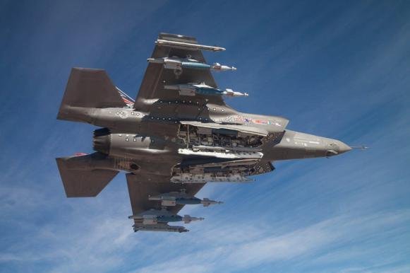 Пентагон: половина истребителей F-35 оказались ни на что не годны. Пентагон: половина истребителей F-35 ни на что не годны
