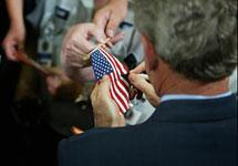 """Преступный автограф президента. Буш """"надругался"""" над американски"""