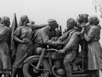 Памятник советским воинам в Софии отмыли за 500 евро. monument