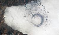Кто рисует кольца на льду Байкала?