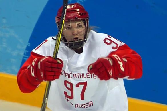 Женский хоккей: Россия выиграла и впервые вышла в полуфинал Олимпиады. Женский хоккей