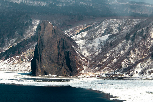 Японцев на Курилах не пустили к поселениям рядом с военными объе