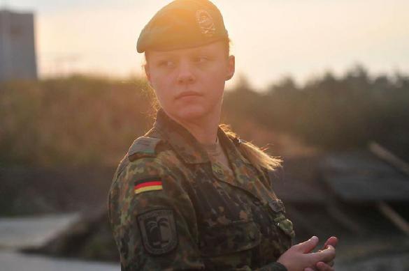 В армии НАТО появилась форма для беременных солдат. 385335.jpeg
