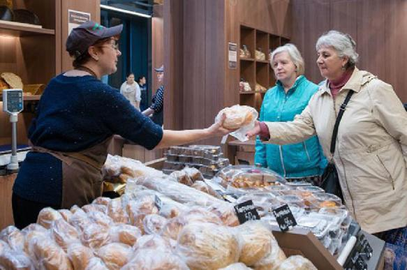 В Госдуме предложили магазинам бесплатно раздавать