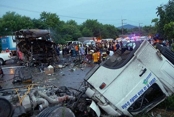 Школьный автобус разбился в Таиланде: 15 жертв. 289339.jpeg