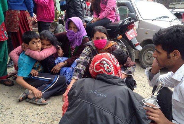 На Эвересте обнаружены сто альпинистов, выживших после схода лавины. Землетрясение в Непале