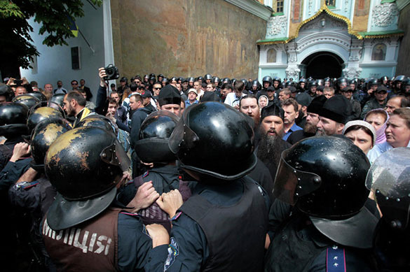 Наместник Киево-Печерской лавры боится нападения радикалов 14октября