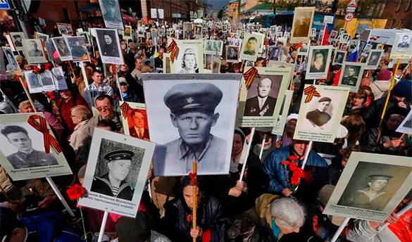 Карен Шахназаров: Народ, который чтит свои победы, способен на победы и в будущем. Участники Бессмертного полка