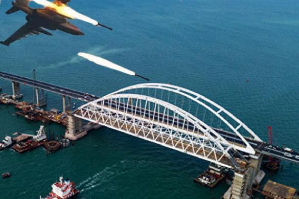 Η γέφυρα της Κριμαίας για να καταστρέψει και να στείλει μια μοίρα του ΝΑΤΟ στη Θάλασσα του Αζόφ είναι μια άποψη.  395342.jpeg
