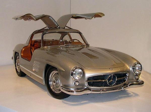 Автомобили знаменитостей, которые были проданы за миллионы. 404342.jpeg