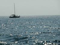 Китайские военные спасли от пиратов итальянское судно